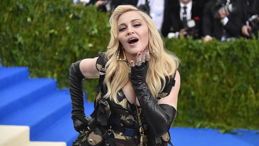 Madonna en la alfombra roja de la MET Gala 2017