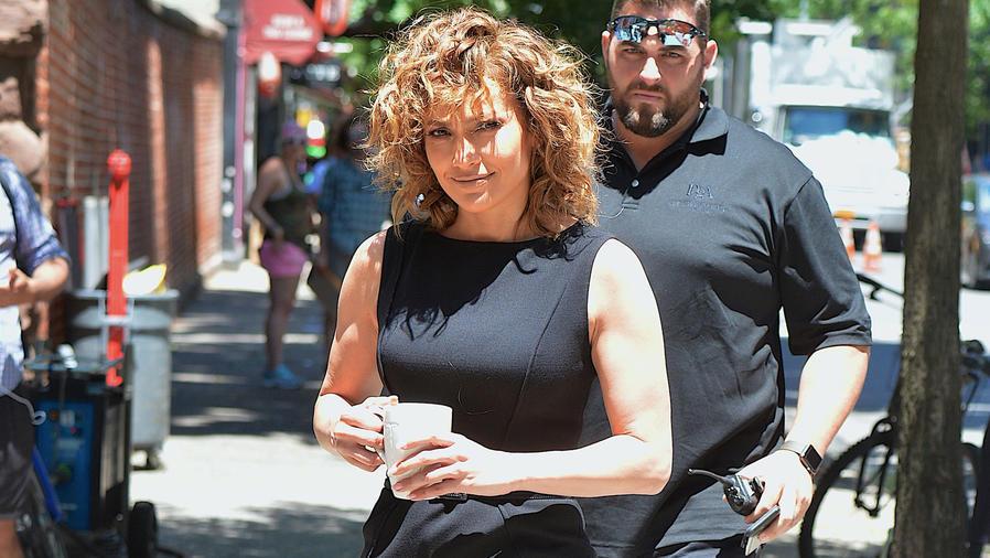 """Jennifer Lopez regresó al set de grabación de """"Shades Of Blue"""""""