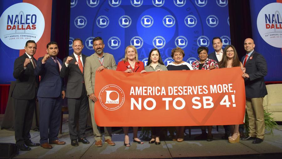 NALEO enviará a Trump y a Abbott una resolución que condena la ley SB4