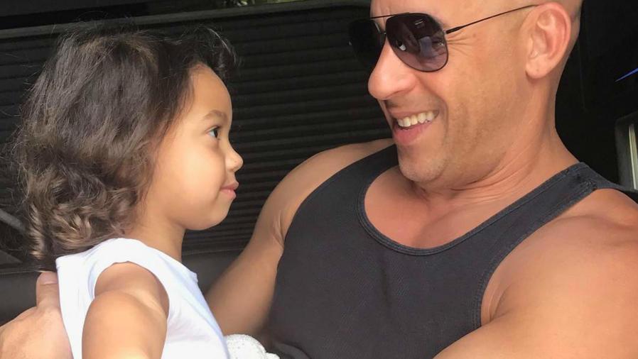 """Vin Diesel con Paloma Jiménez y sus hijos en la premier de """"Guardians of the Galaxy Vol. 2""""."""