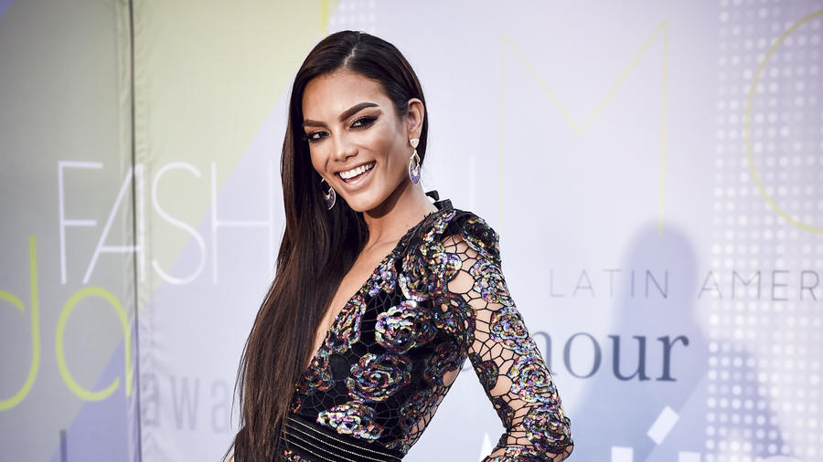 Zuleyka Rivera en los Latin Music Awards 2017