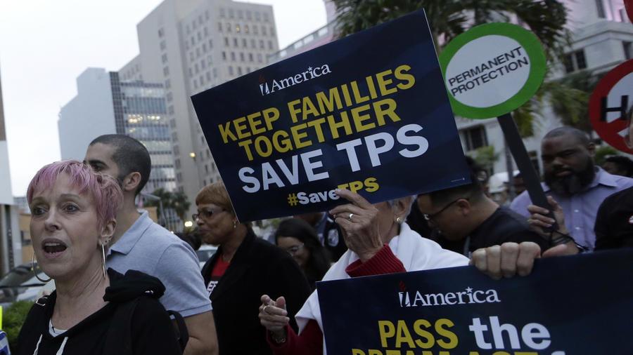 Protestas para que el gobierno de Trump no elimine el programa del TPS