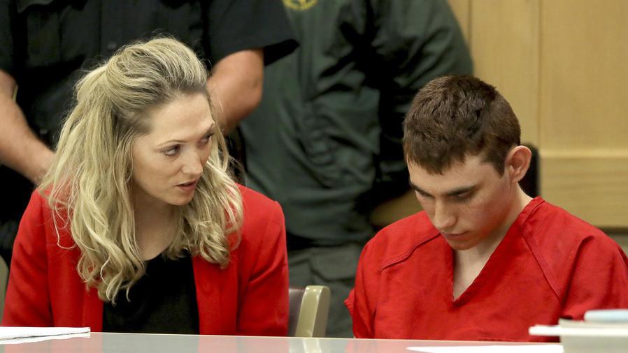 Nikolas Cruz comparece el 19 de febrero junto a su abogada ante la juez.