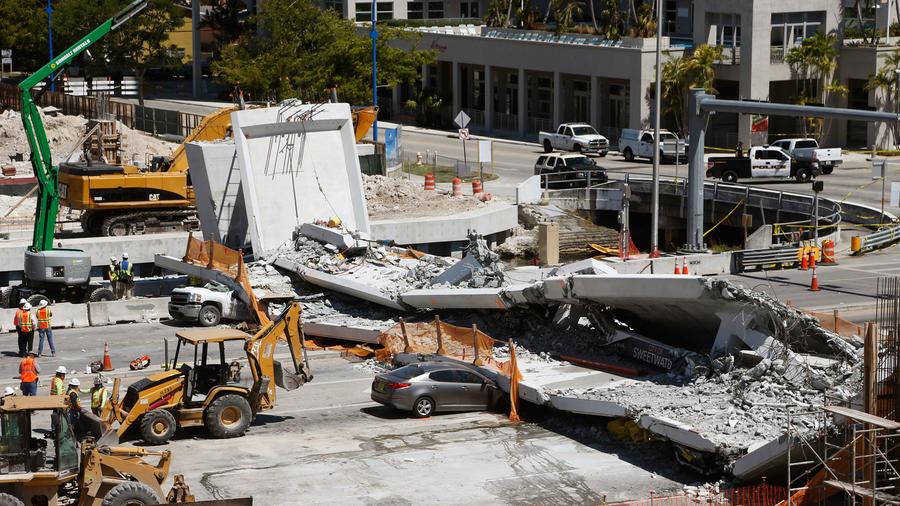 El puente peatonal de la Universidad Internacional de Florida,en Miami, que colapsó el 15 de marzo de 2018.