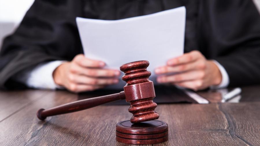 Los jueces federales pierden el poder de cerrar los casos de deportación