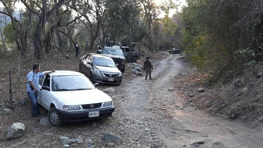 Mueren 6 policías y 10 presuntos criminales en choques en el sur de México