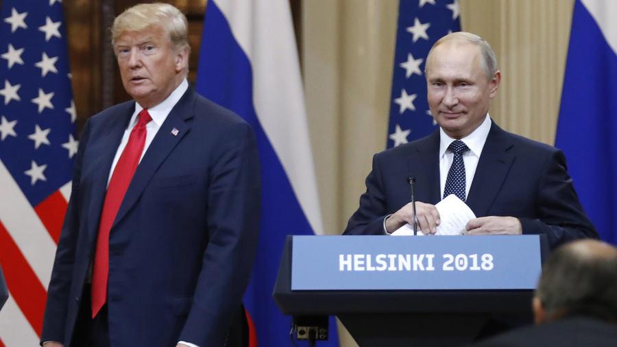 El presidente Trump y su homólogo de Rusia, Vladimir Putin durante una conferencia de prensa conjunta tras su cumbre el Helsinki el 16 de julio de 2018
