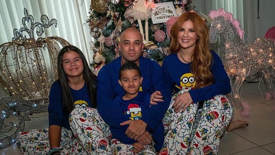 Wisin y su familia en navidad