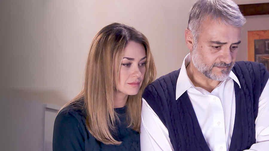 Aracely Arámbula y Marco Treviño en Los Miserables