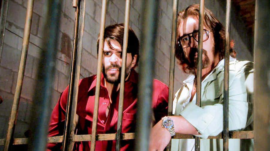 Juan Pablo Llano y Miguel Varoni tras las rejas en Dueños del Paraíso