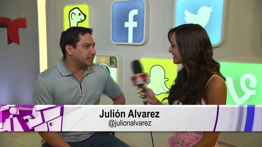 Julión Álvarez en una entrevista en los Premios Billboard 2015