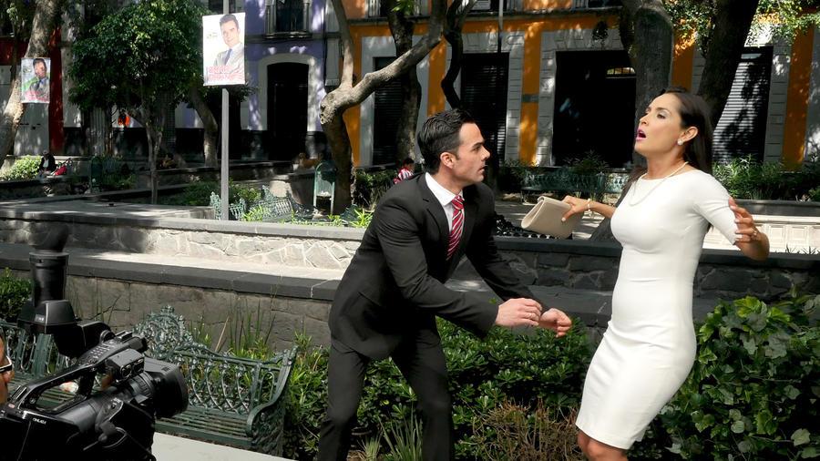 Carmen Villalobos, Jesús Moré, detrás de cámaras, El Señor de los Cielos Tercera Temporada