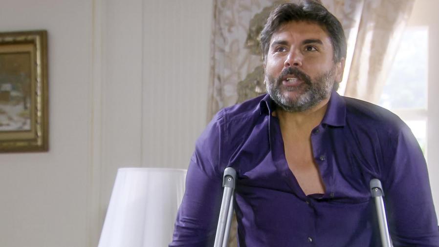 Jorge Luis Pila descubre que puede caminar en Eva La Trailera