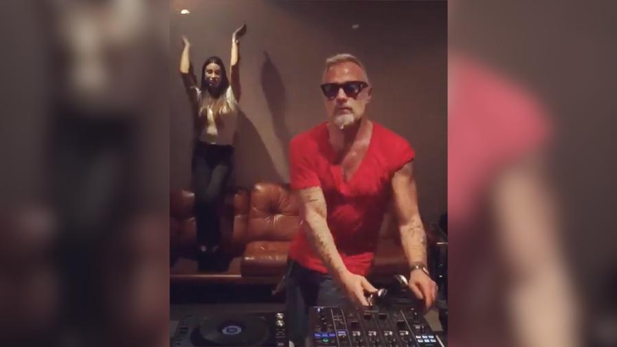 Gianluca Vacchi y Giorgia Gabriele bailando el tema de J Balvin