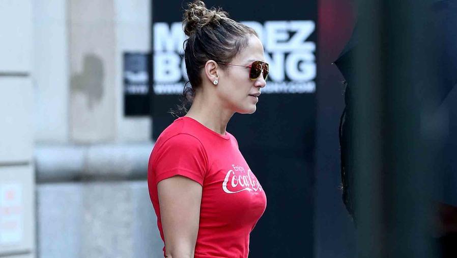 """Jennifer Lopez saliendo del set de """"Shades of Blue"""" en Nueva York"""