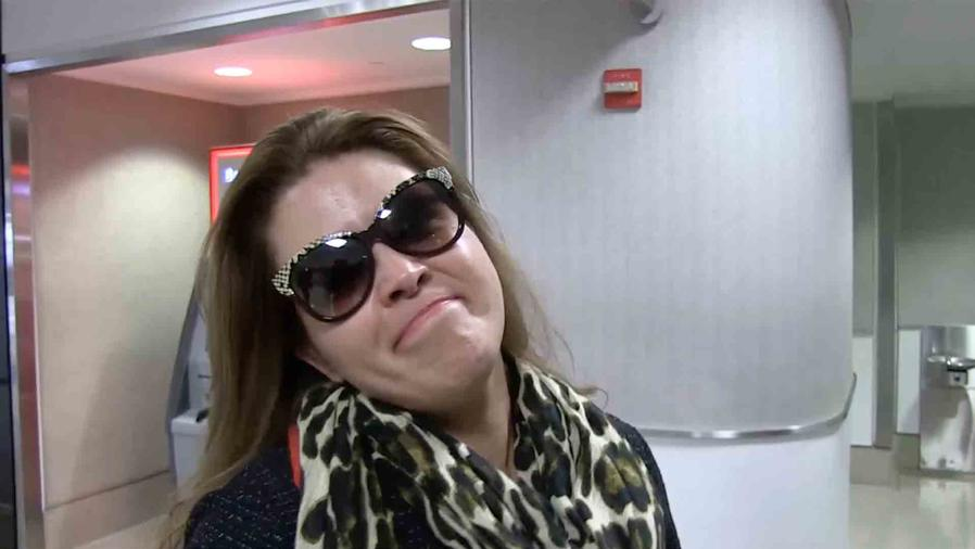 Alicia Machado en el aeropuerto de Los Angeles