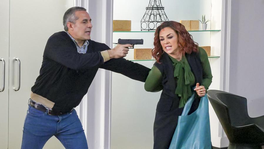 Aracely Arámbula, Altagracia, molesta, La Doña