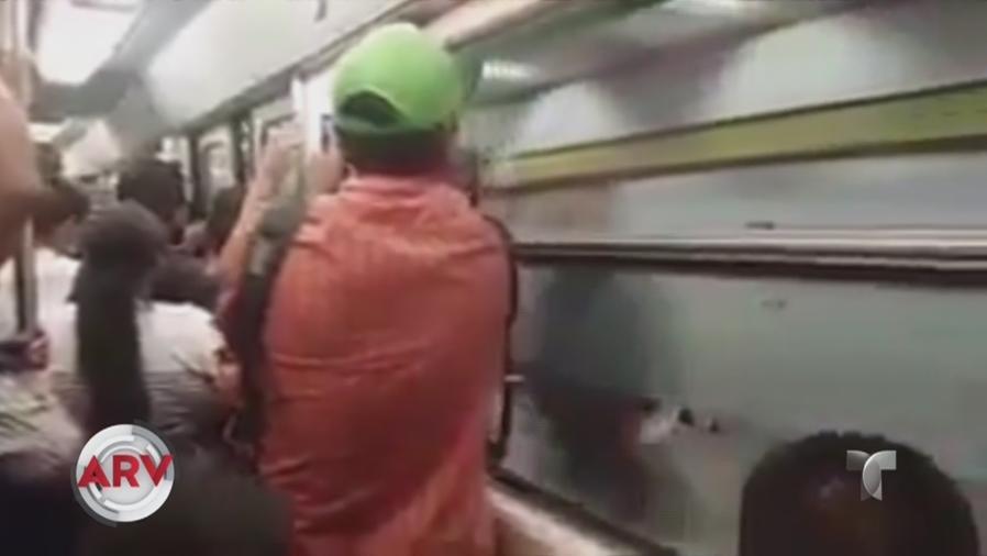 pasajeros del metro