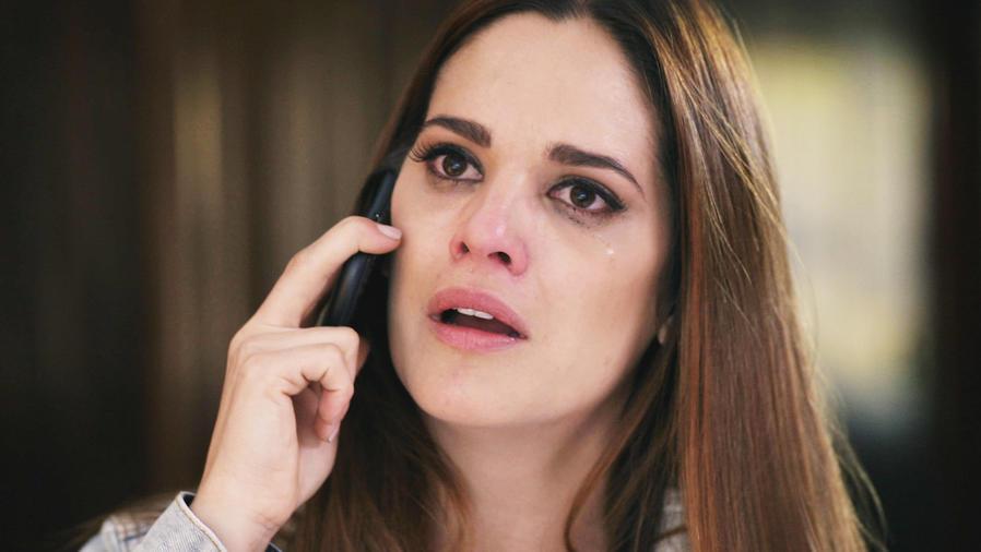 Sabrina Seara, Esperanza Salvatierra, llorando, El Señor de los Cielos
