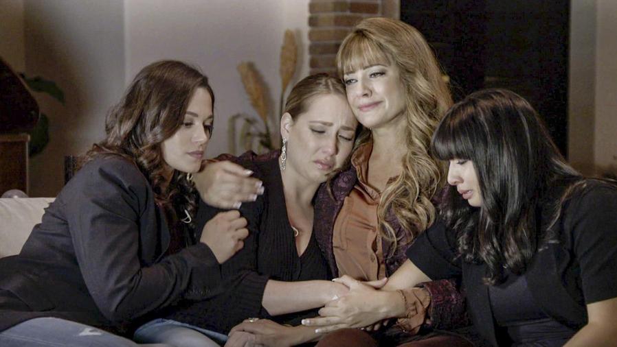 Angelica Celaya, Vanessa Pose y Alma Matrecito en Mariposa de Barrio