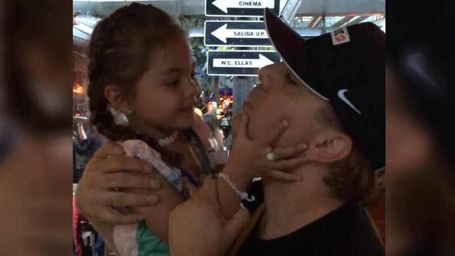 Mira el tierno baile de Cristian Castro con su hija