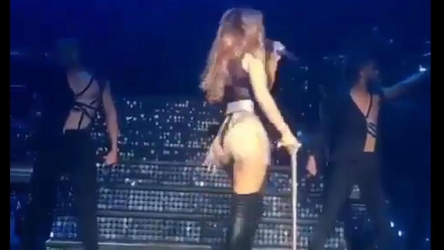 Jennifer Lopez en tanga