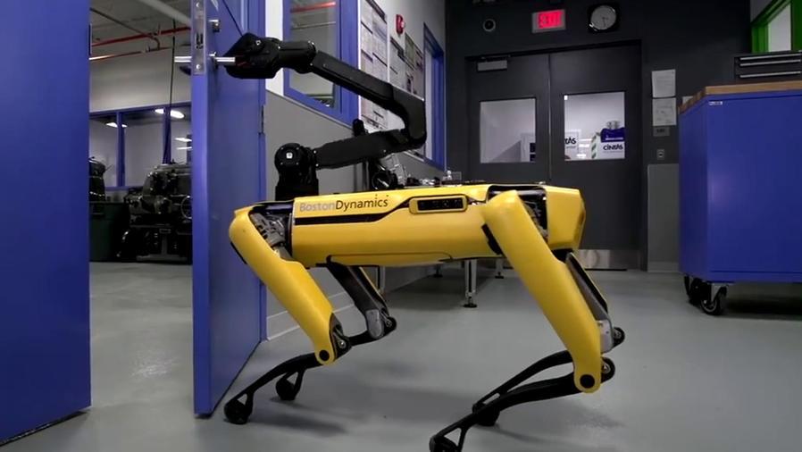 El perro robot SpotMini ahora abre puertas
