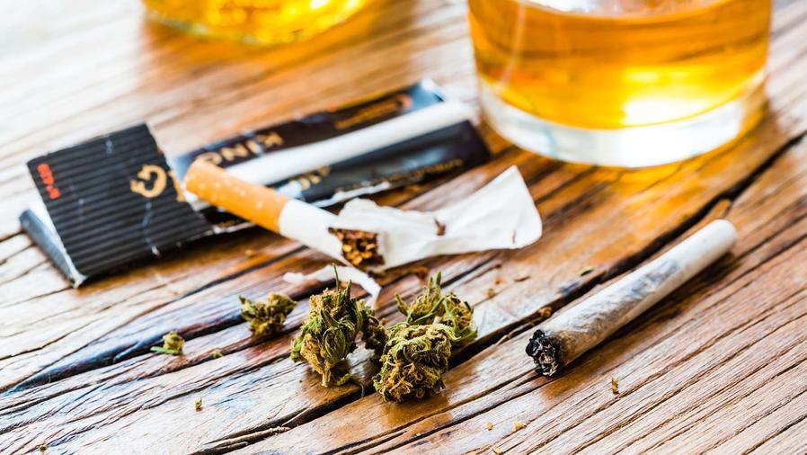 ¿Cuál crees que sea peor, la marihuana o el alcohol?