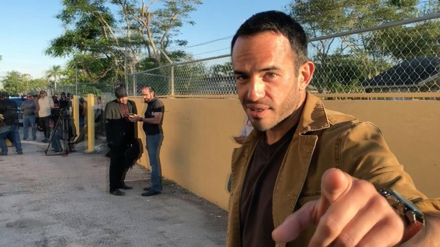 Guillermo Iván en Al Otro Lado Del Muro