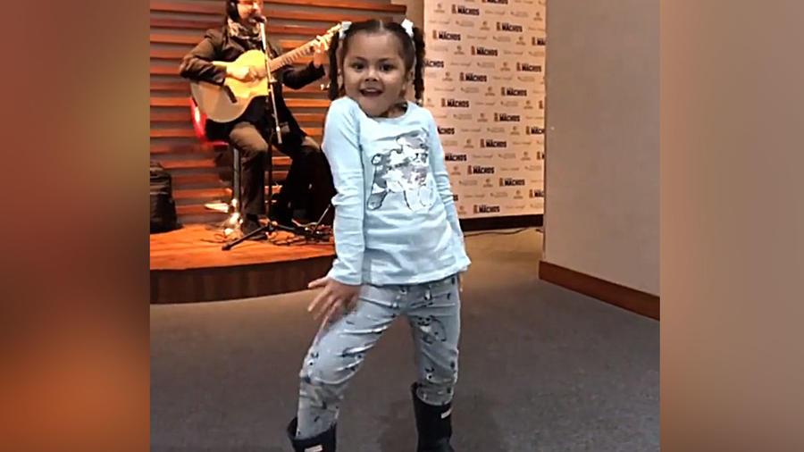 La hija de Cristian Castro conquista con su baile