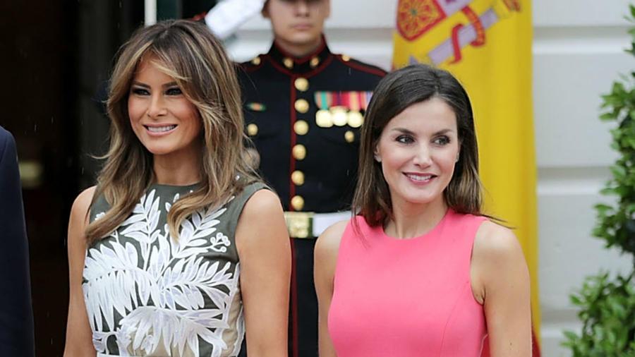 La reina Letizia junto a Melania Trump frente a la Casa Blanca