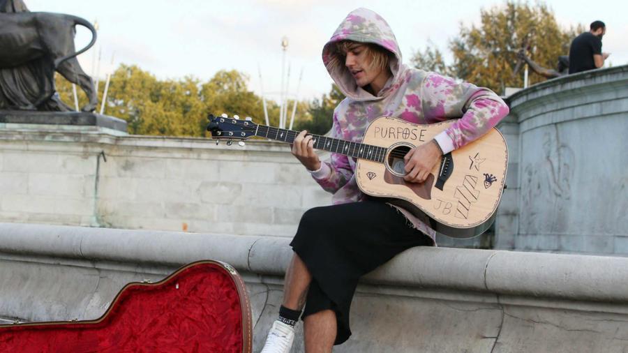 Justin Bieber serenata