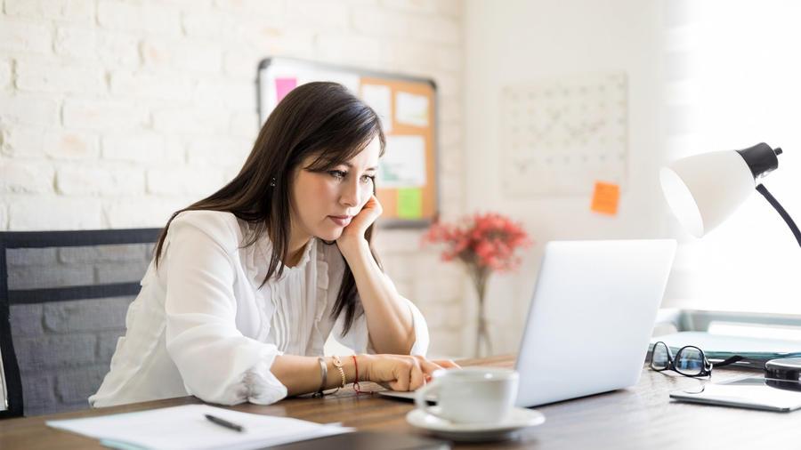 6 hábitos que te impiden avanzar en el trabajo