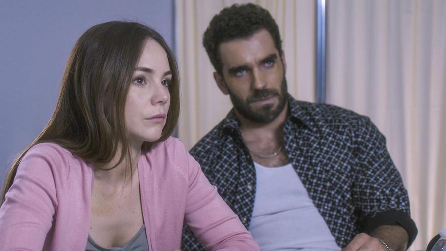 Camila Sodi y Marcus Ornellas en Falsa Identidad