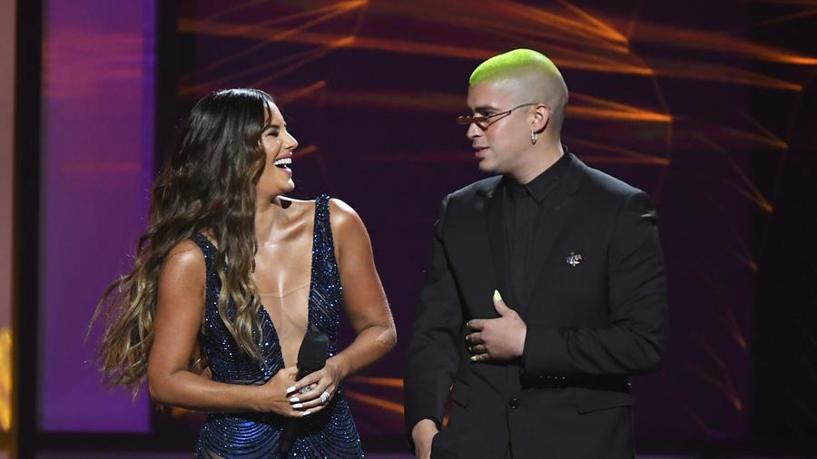 Gaby Espino y Bad Bunny en Premios Billboard 2019