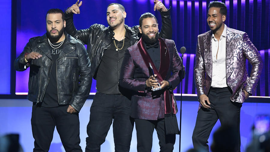 Romeo Santos y Aventura en Premios Billboard 2019