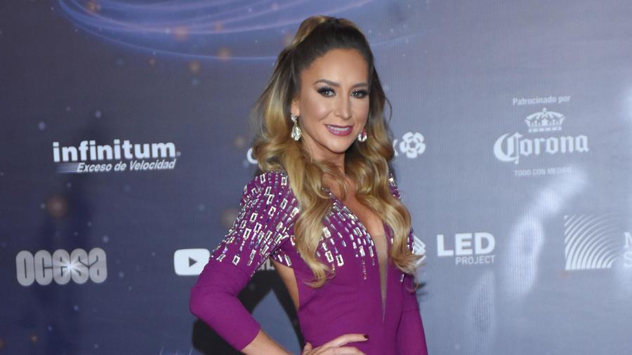 Geraldine Bazán en los premios Lunas del Auditorio Nacional en la Ciudad de México.