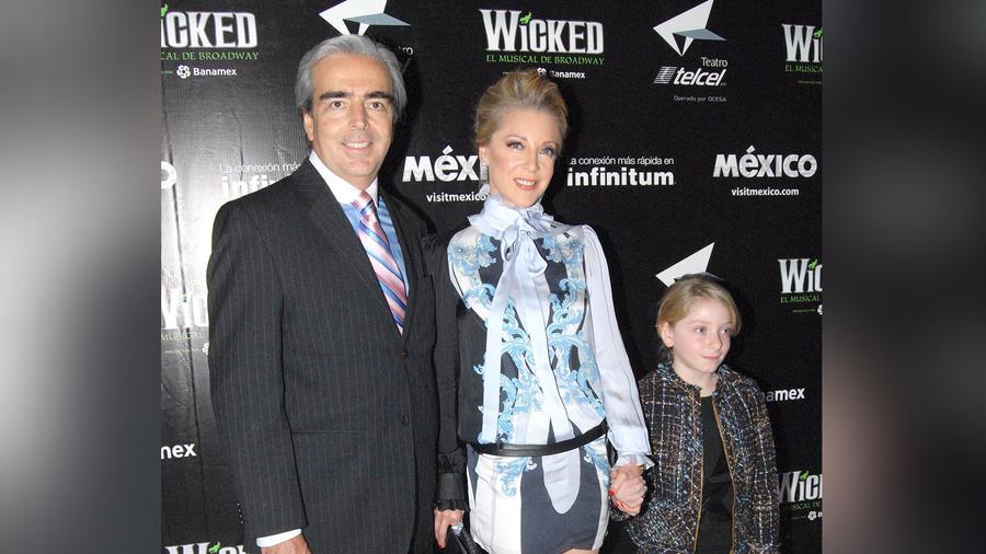 Edith González y su familia