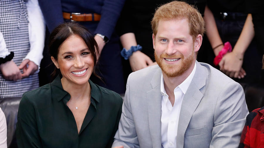 Meghan Markle y el príncipe Harry en el Joff Youth Centre en Sussex en octubre de 2018