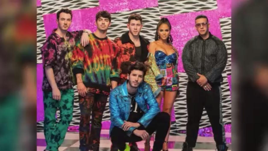 Jonas Brothers junto a Sebastián Yatra, Natti Natasha y Daddy Yankee.