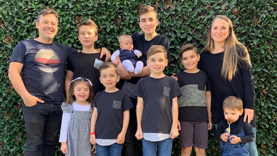 Madre y sus ocho hijos