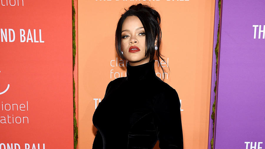 Rihanna Is Cordially Invited to Our Noche Buena Thanks to This Video (WATCH)