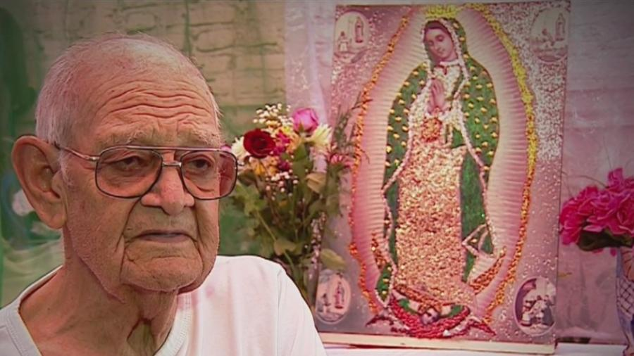 Abuelo devoto de la Virgen de Guadalupe
