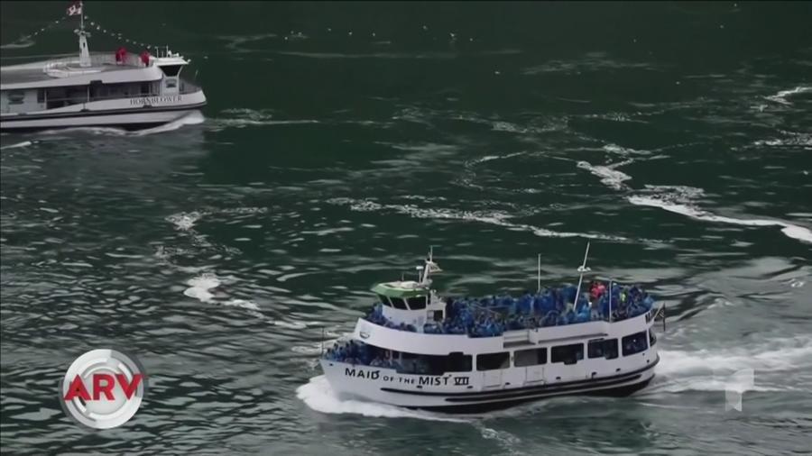 Barcos turistas en el Niágara