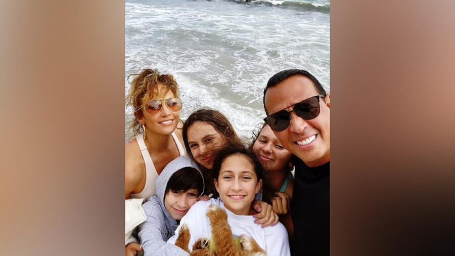 Jennifer Lopez y Alex Rodriguez con sus hijos