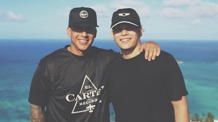 Daddy Yankee y su hijo Jeremy Ayala
