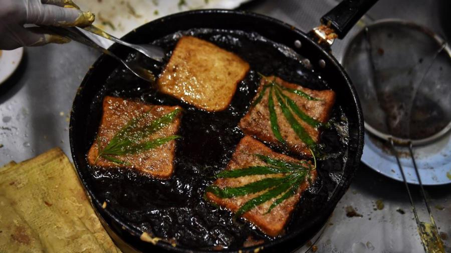 Comida cocinada con cannabis en restaurante tailandés