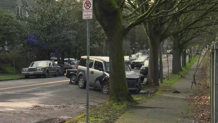 Conductor atropella seis personas y golpea varios autos en Portland