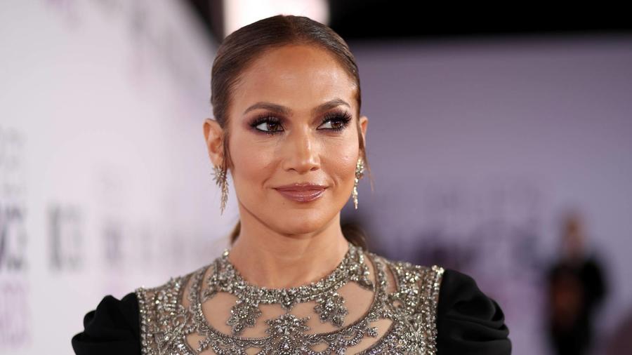 Jennifer Lopez People's Choice Awards 2017