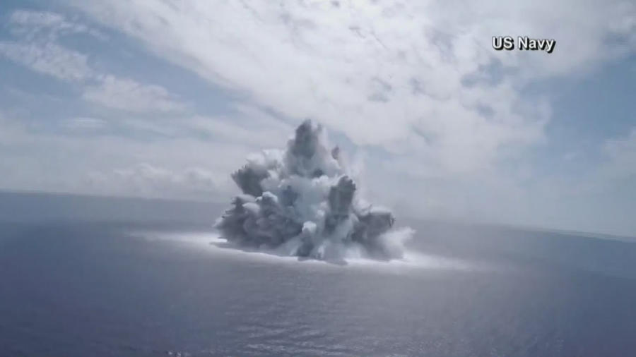 Realizan una potente explosión para probar un portaaviones